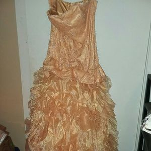 Aspeed peach prom or pageant dress